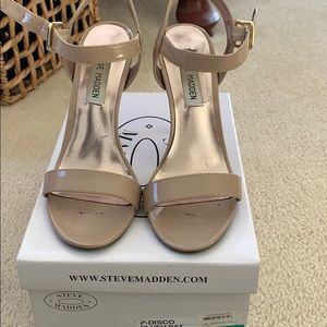 Steve Madden nude patent leather sandals